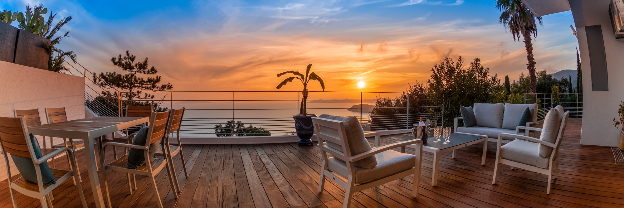 Sunset from your terrasse in Vistazur villa