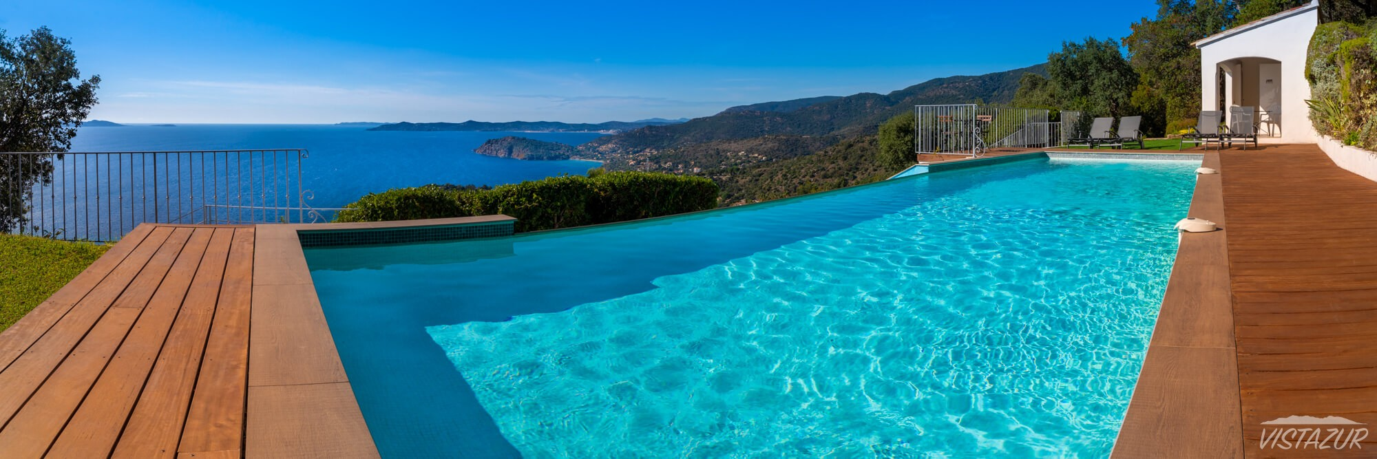 Vistazur guest's pool in Rayol-Canadel, Azure Coast France